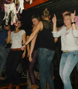 CoyoteUgly (4)