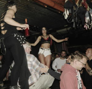 coyoteUgly  (17)